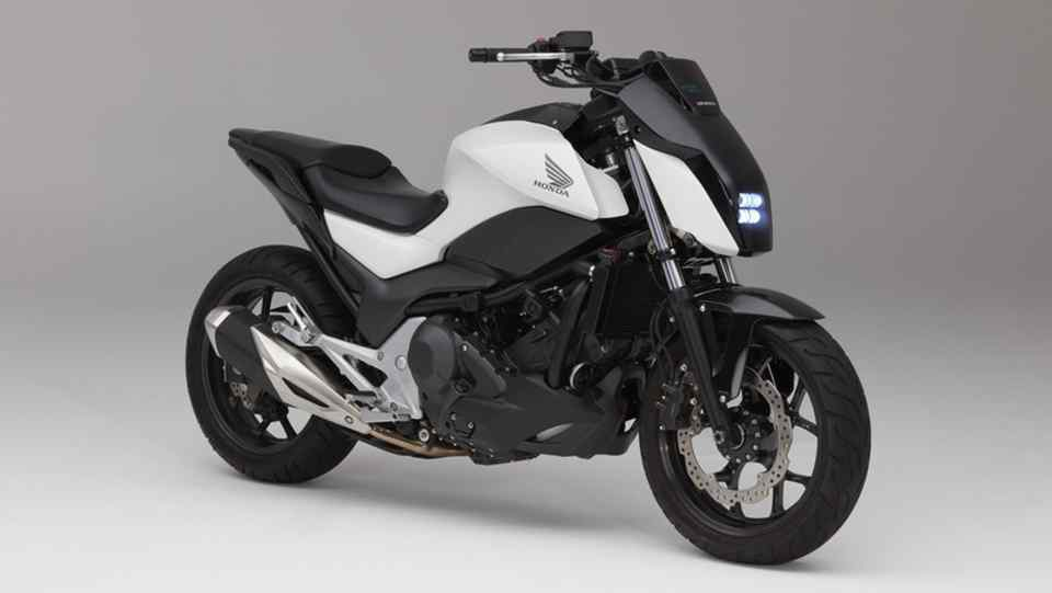 CES 2017: Honda Riding Assist motorcycle balances itself image
